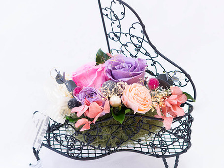 【母の日】フラワー 楽器 音楽会 アレンジ ピアノ ブラック ♪ 〜 Music Floral series〜【ご注文いただいてから制作します】