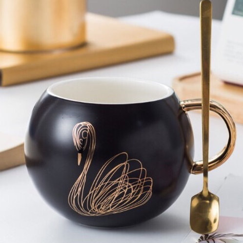 Swan ceramic mug for coffee and tea