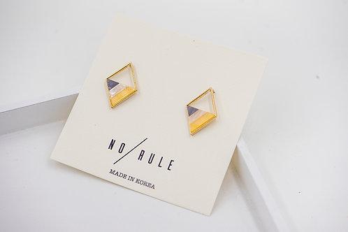 Diamond Shape Korean Marbel Design Earring