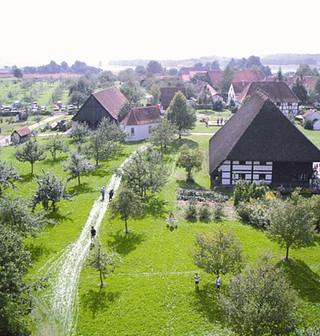 Durch alte Siedlungsformen