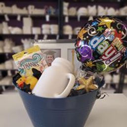 graduation basket 1.jpg