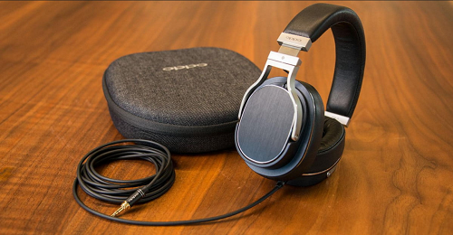 The Best over-ear headphones available in India in 2020 | Best Premium Headphones in India