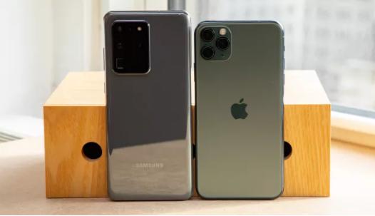 s20 vs 11pro max Design