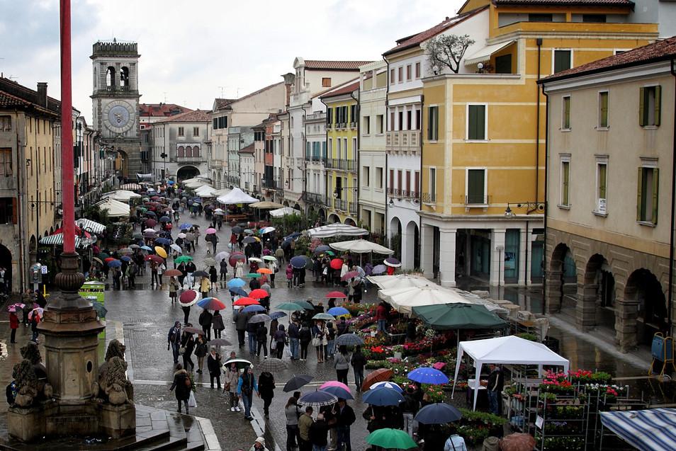 Este umbrellas market