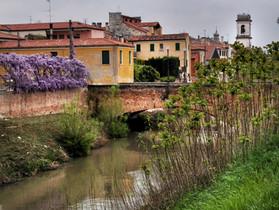 Este canal summer day
