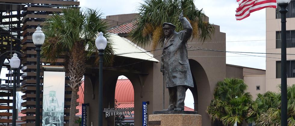 Winston Churchill, British Plaza
