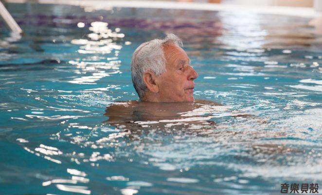 利用水的阻力、壓力有助於復健成效