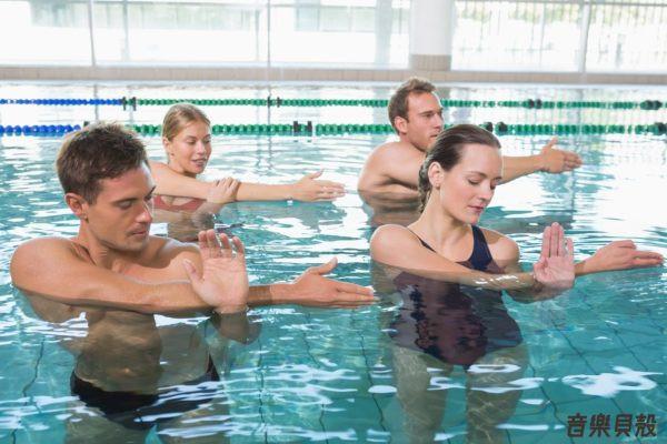 水中有氧運動是一種老少咸宜的運動
