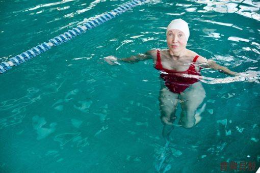 水中訓練對於關節炎相關病患而言,是個順從性高、效應明顯並且花費不高的運動與治療方式。