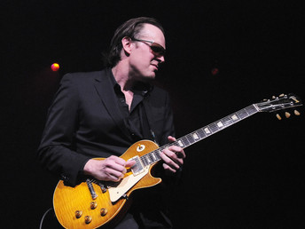 Joe Bonamassa Trades In His Signature Gibson Les Paul Goldtop Prototype