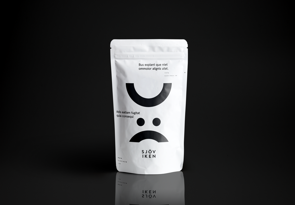 Plastic-Pouch-Packaging-MockUp.png