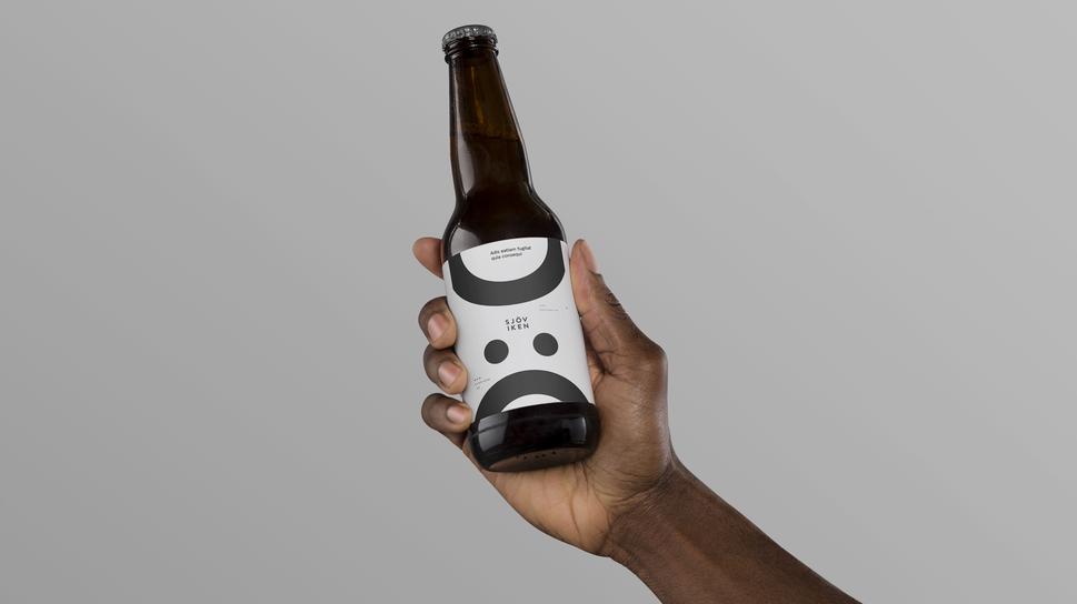 Hand-Holding-Beer-Mockup.png
