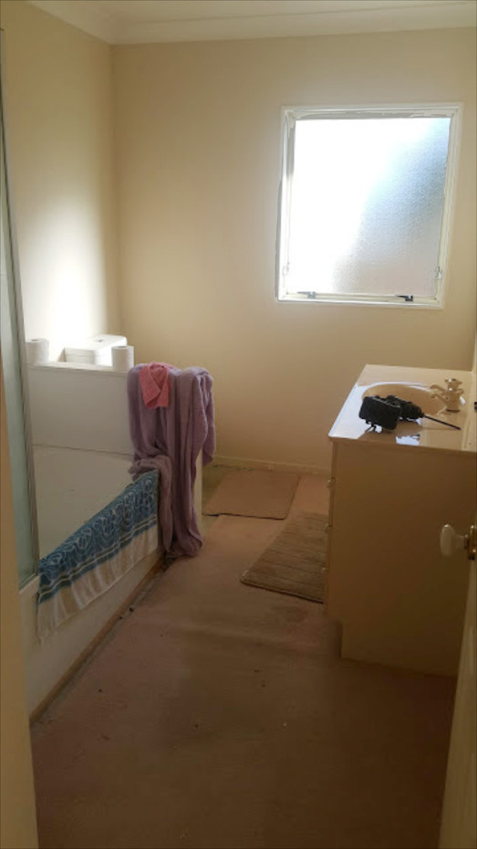Bathroom - Before