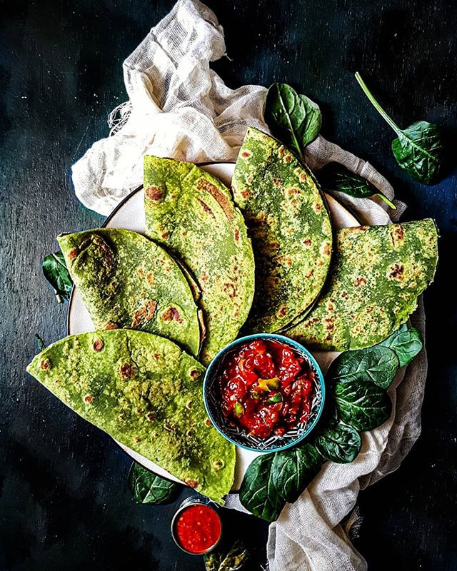 gluteen free and vegan spinach leaves roti