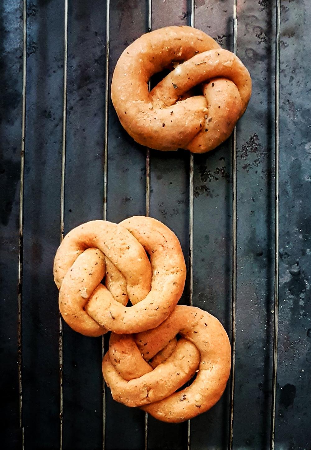 Gluten Free and Vegan Garlic Knots