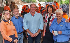 Councillors show appreciation for Friends contribution to the Gardens
