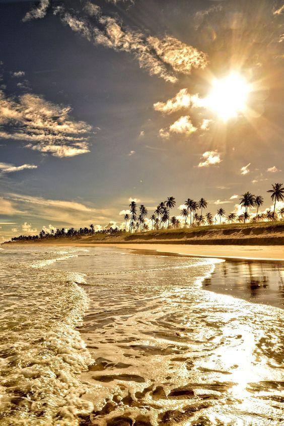 Praia de Guarajuba, Bahia.jpg