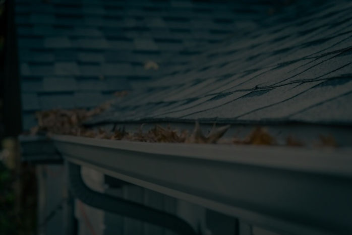 Gutter repairs, service located in Mississaugaby torontoroofrepairs.ca