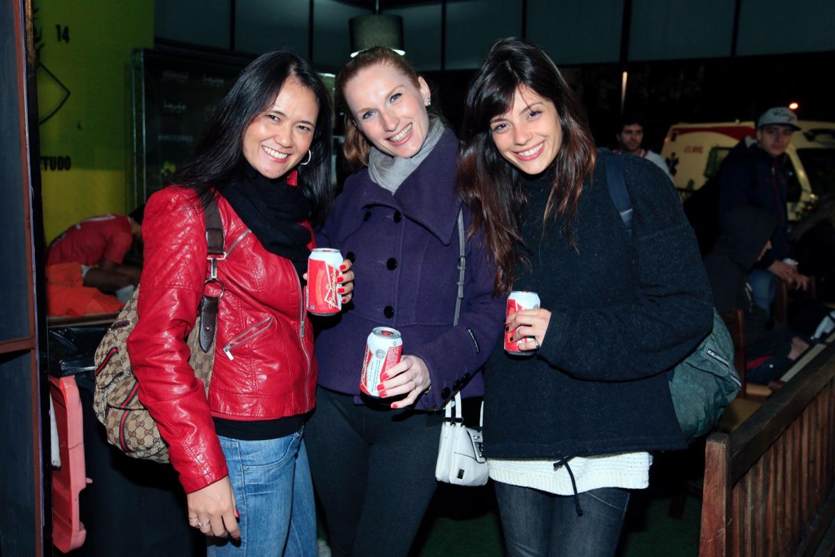 Debora chai, Cristiane Schimitt e Carolina Mello.jpg