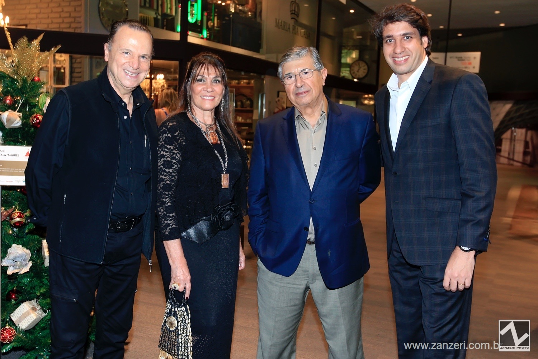 Norton Labes, Lilian e Gilberto Bomeny com Luciano Menezes_0001