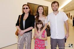 Roberta Matarazzo, Sergio Rebollo e Cynthia Mendes com Helena Rebollo_0002