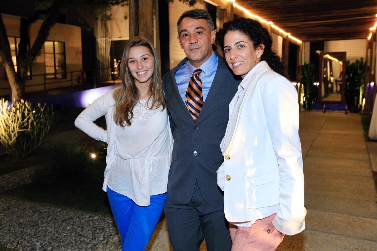 Olivia Cury Marcelo Faisal e Audrey Ammar_0002.jpg