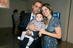 Roberta e Nilton Calixto com a pequena Laura2.jpg