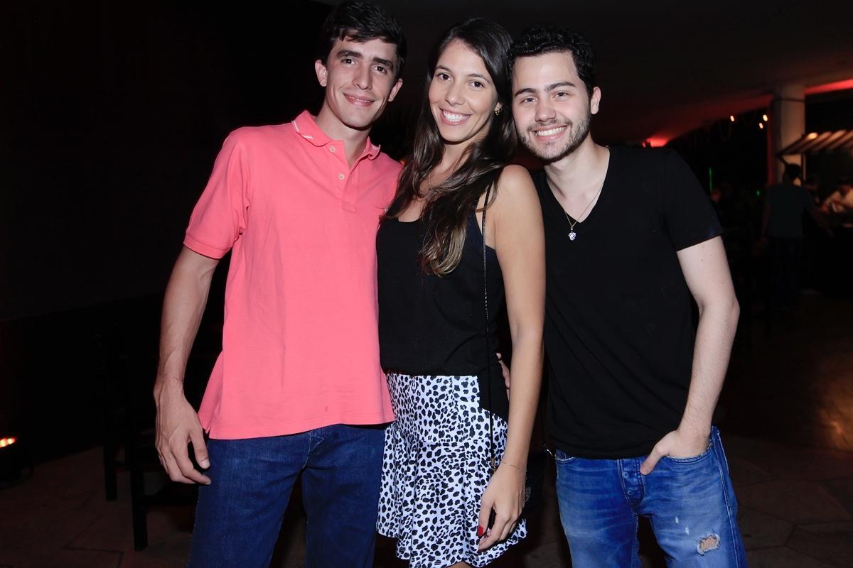 Andre Junqueira, Bruna Sollito e Felipe Ventura.jpg