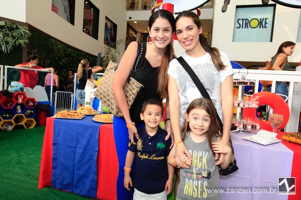 Jennifer Pazmino e Lia Pinho com Wladmir e Marcela_0001