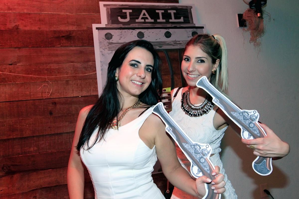 Mayara Costa e Paula Venosa.jpg