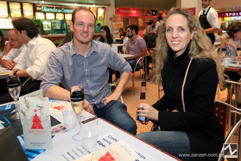 Diego Dolph Johnson e Karin Aquino