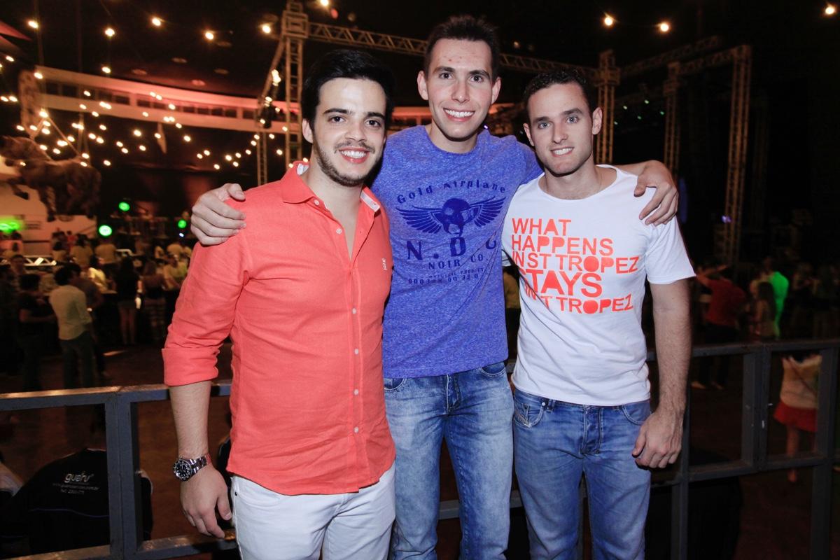 Tiago Claro, Victor Parreira e Bernardo Bastos.jpg