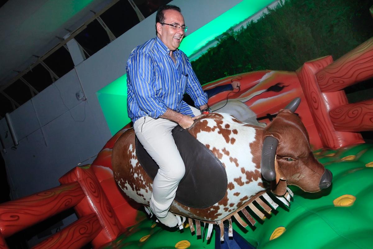 Roberto Figueiredo - Dr Bacteria.jpg
