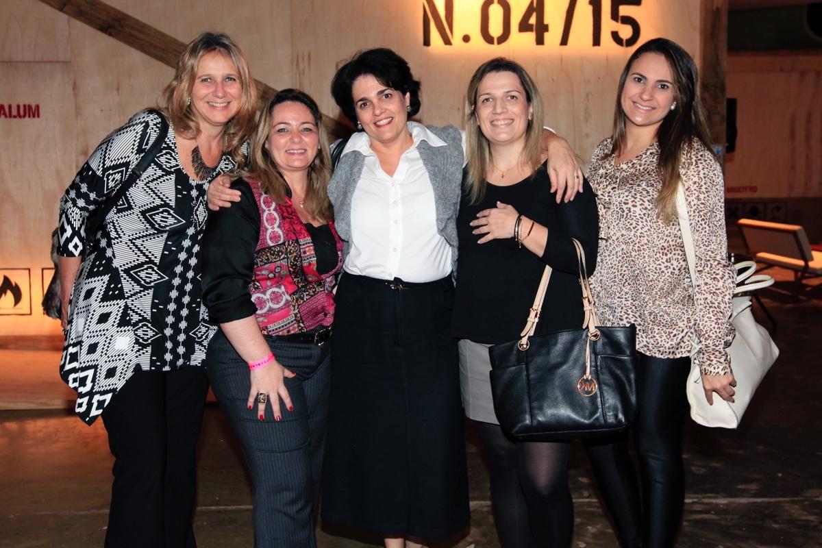 Edna Suriani, Juliana Abbate, Deise Andrade, Luciana Leamare e Gabriela Guedes.j