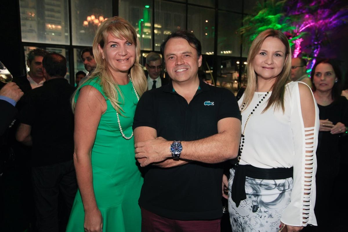 Andrea Pilar, Roberto Borja e Cristina Amaral.jpg