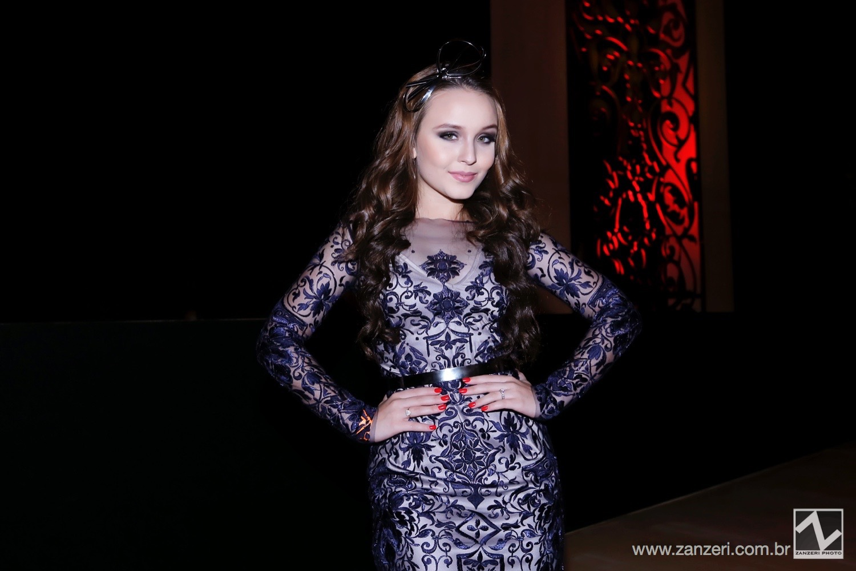 Larissa Manuela_002