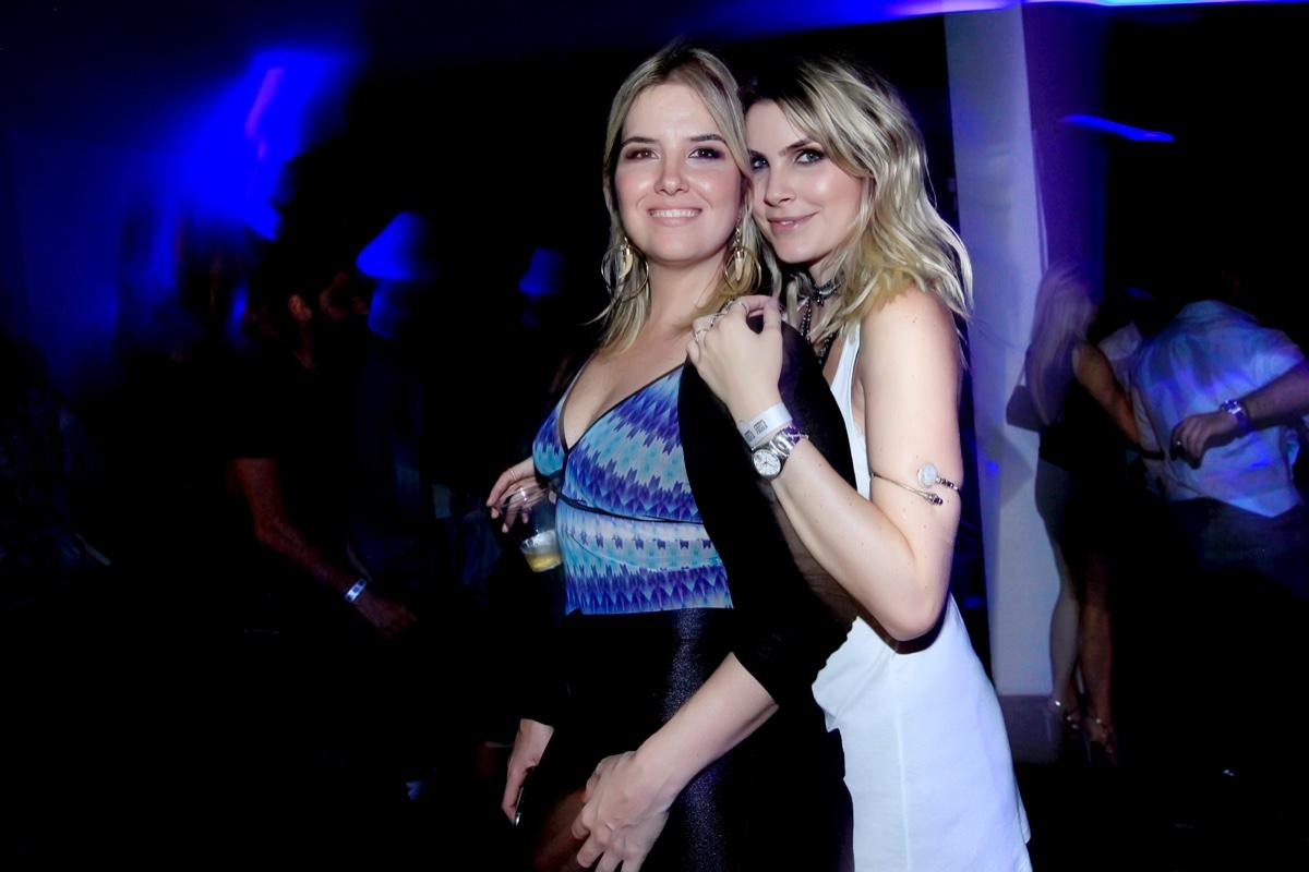 Valentina Drumond e Julia Faria.jpg