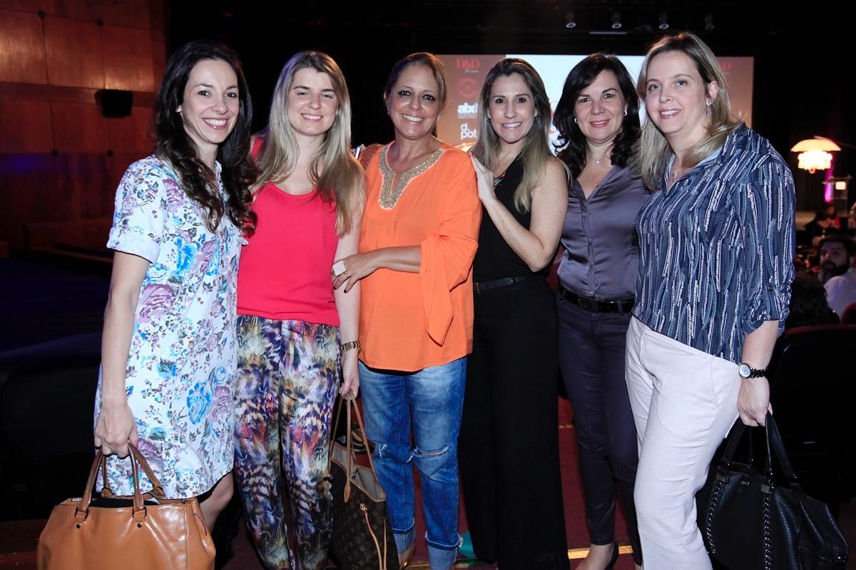 Danielle Cortez, Natalia Meyer, Tota Penteado, Leila Libardi, Rita Camilo e Clau