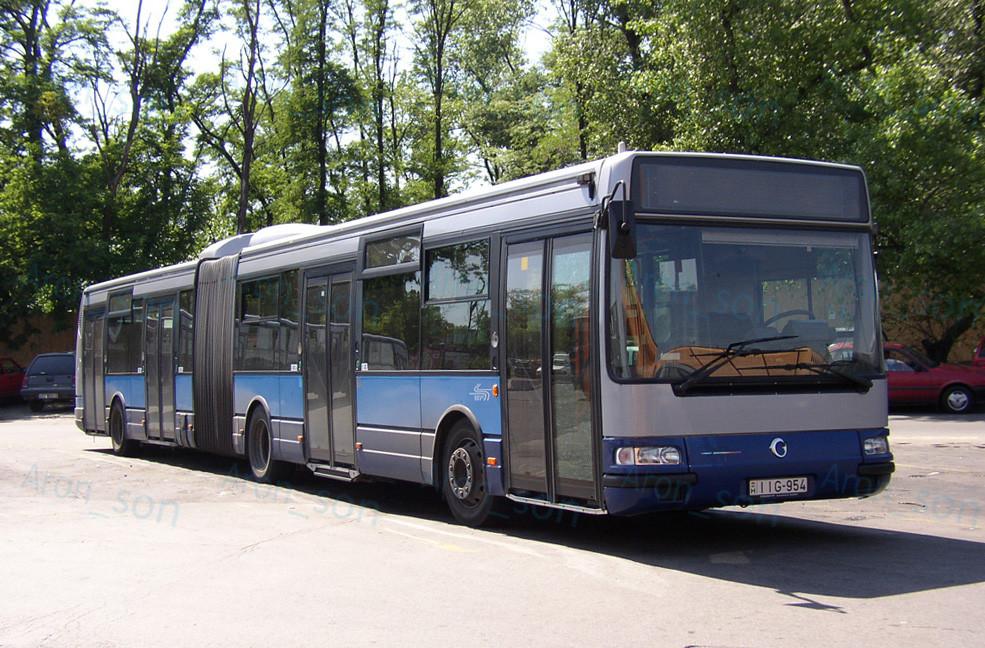 irisbus-ikarus_agora.jpg