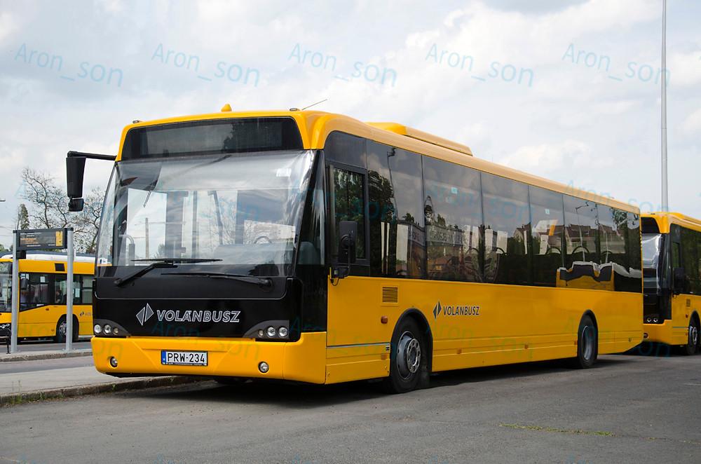 PRW-234 egyelőre letámasztva a szentendrei buszállomáson.