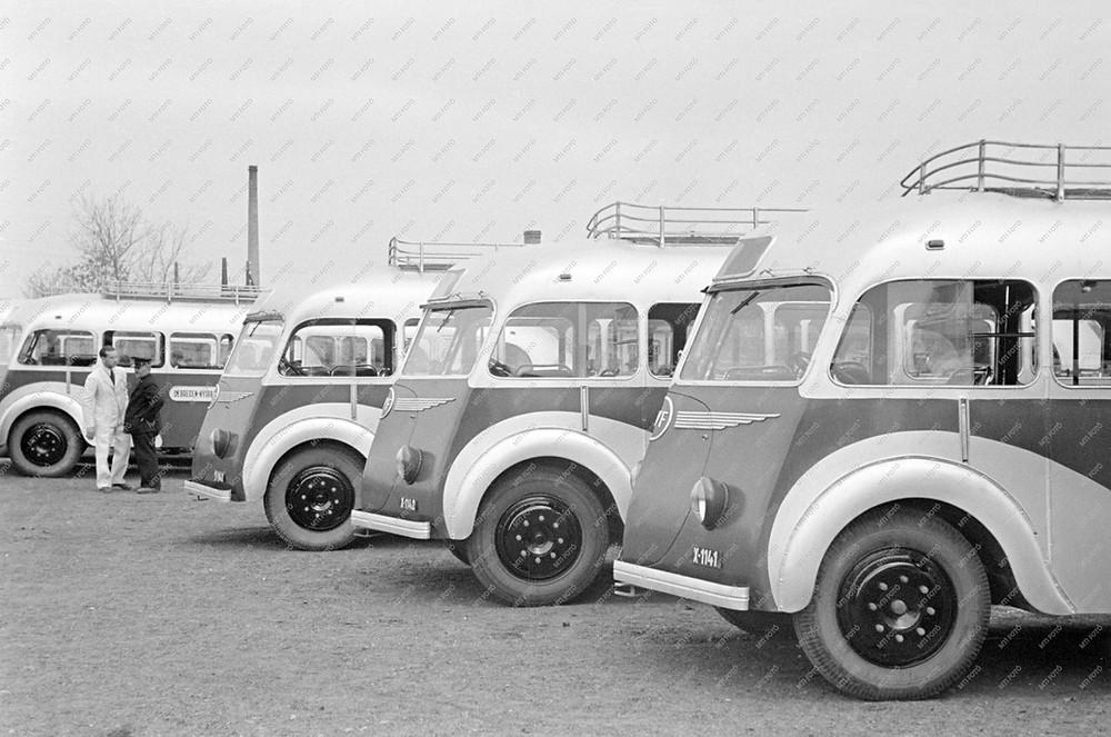 x-1141_atadon-1947.jpg