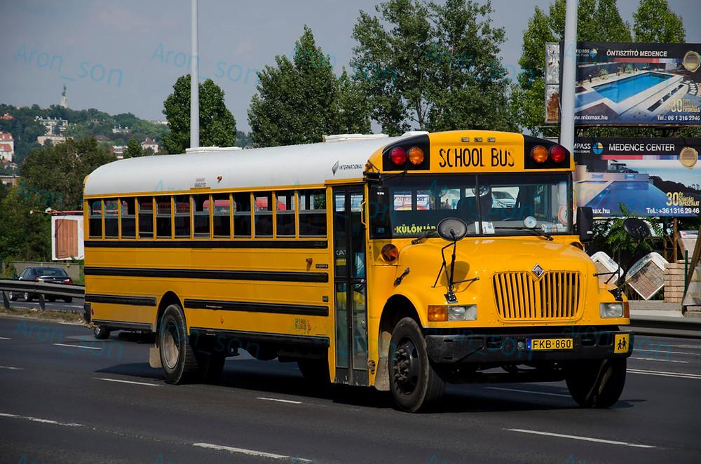 2003-as évjáratú, 2006-ban vásárolt International gyártmányú amerikai iskolabusz.