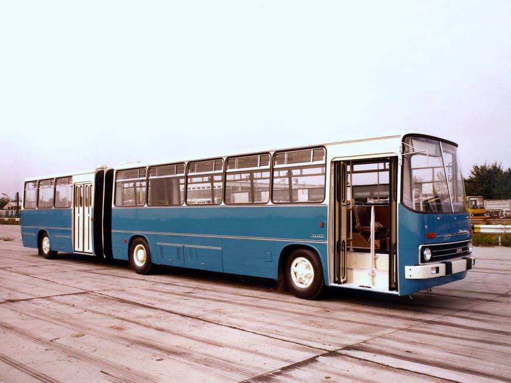 Csehszlovákiába készült 280.10 az Újszász utcai telephely próbapályáján.