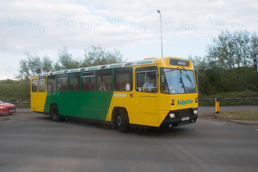 Úton a '87-es évjáratú Volvo B10M-alvázra karosszált Alexander P-vel a Firstbushoz, mely korábban ott szolgált...