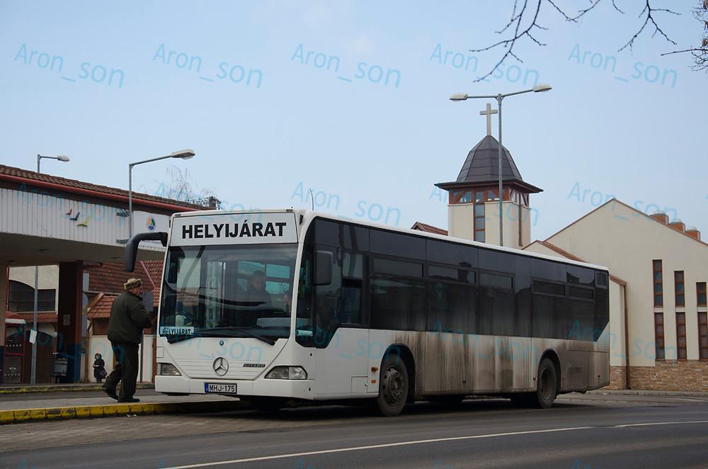 Autóbusz-állomás, 5. kocsiállás.