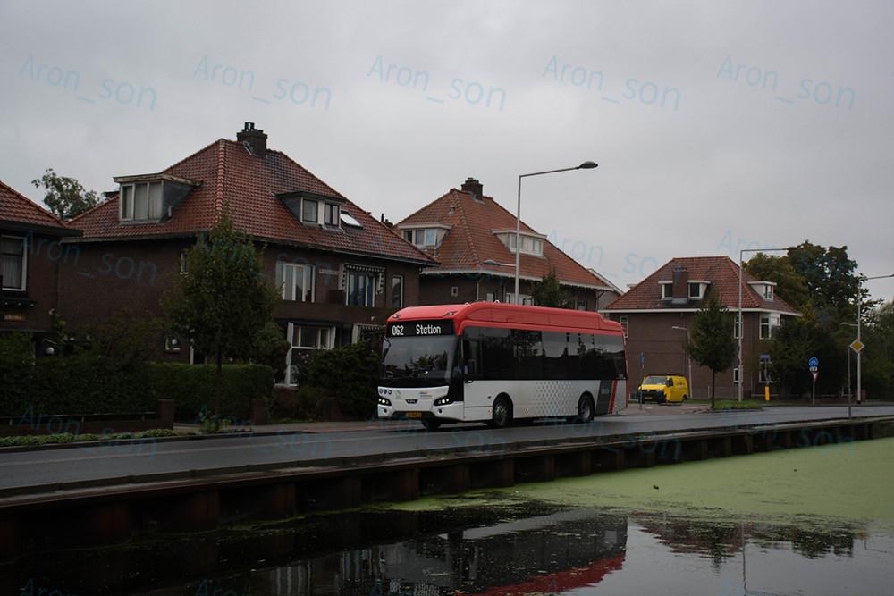 Delft 62-es helyi járatán közlekedő LLE-99-es.