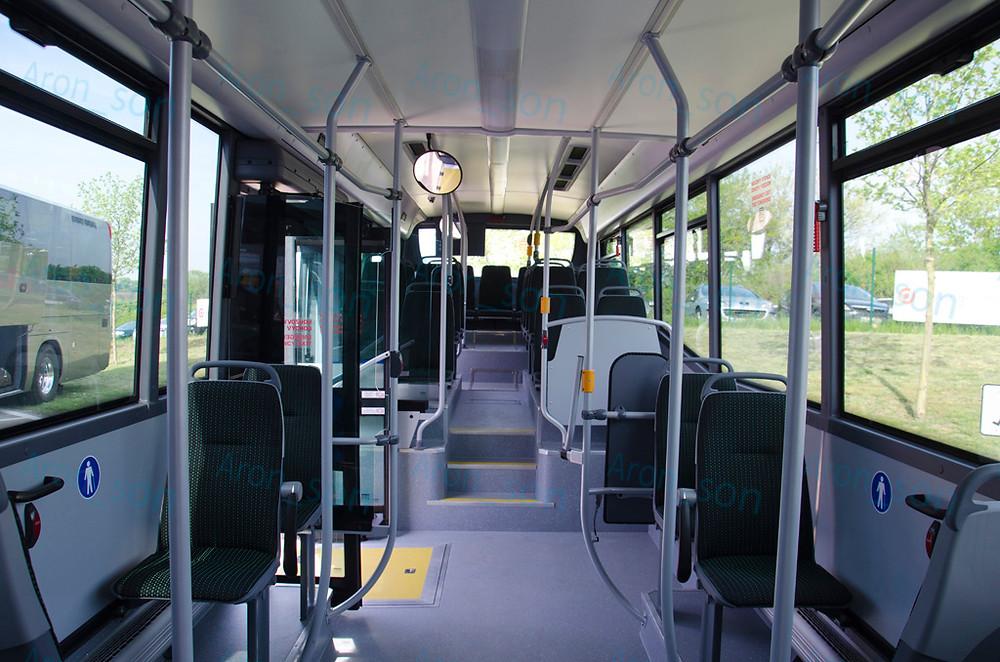 1+1 ülésezés, szellős, átjárható: alacsonypadlós/alacsonybelépésűek körében ritka.