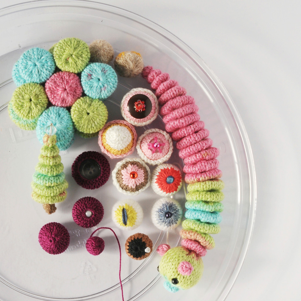 Tray of samples for the Knit a Small Sphere workshop