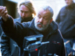 vera-drake-2004-002-mike-leigh-on-set-bf