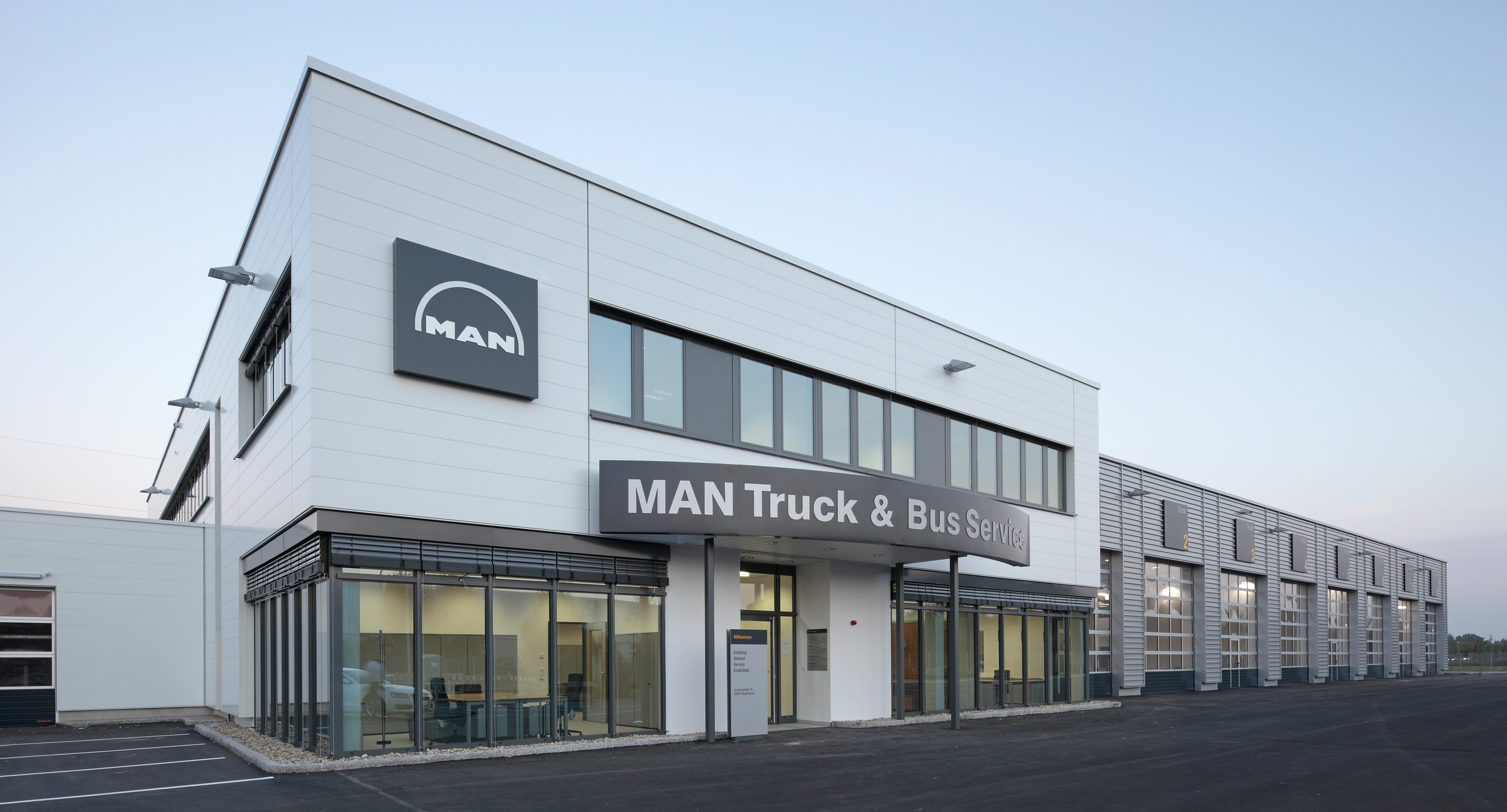 man truck & bus center